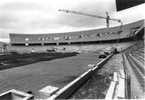 1992:  Con Javier Pérez de presidente se reconstruyó y amplió la Grada de Gol