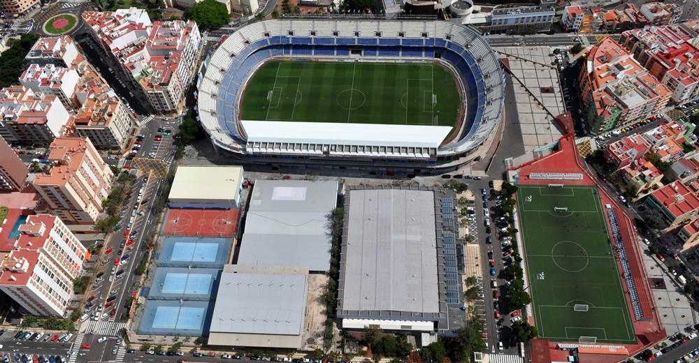 Estadio Heliodoro Santa Cruz Sur TF 020510 (6) MPP.JPG
