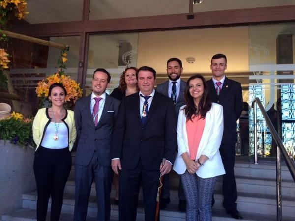 Imagen de José Fermín Correa, junto a los demás miembros del nuevo grupo de gobierno de La Victoria.   DA