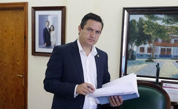 José Julián Mena.   DA