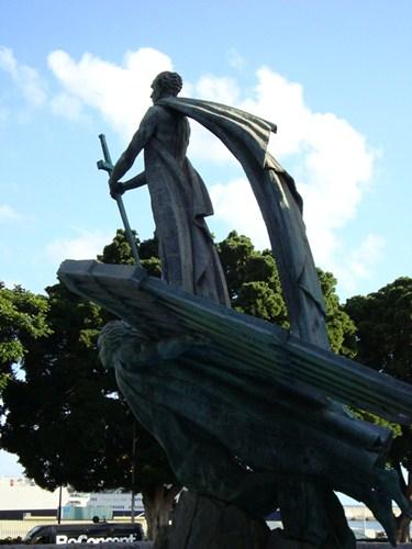 Fuente en homenaje a Franco, en las ramblas de la capital tinerfeña. / DA