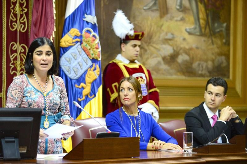 La presidenta del Parlamento de Canarias, Carolina Darias, declaró ayer abierta la novena legislatura. / SERGIO MÉNDEZ