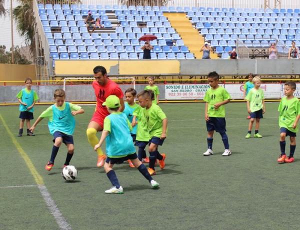 Pedro Rodríguez participó activamente con los niños del campus. | DA
