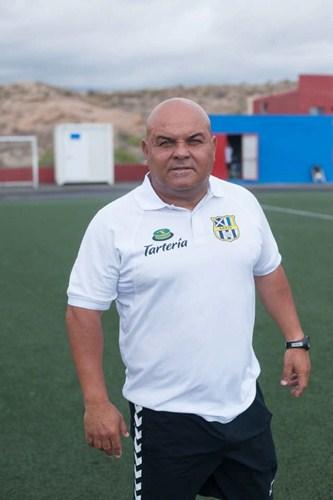 Toni Ayala, entrenador del Granadilla Tenerife Egatesa. / DA