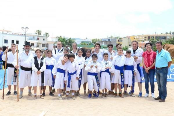 Una veintena de peleadores de garrote y tolete se dieron cita en el municipo en la tradicional Trofeo El Sauzal.   S. M.