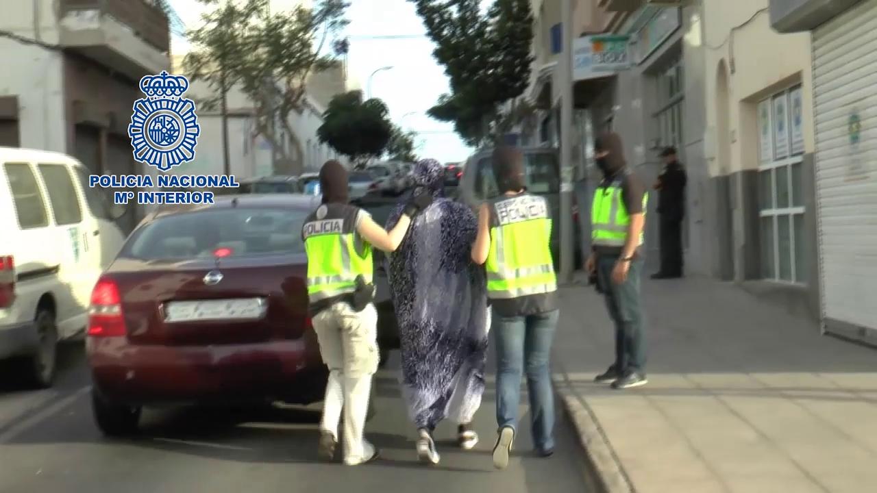 Detenida en Canarias por reclutar niñas para enviarlas a zonas del Estado Islámico