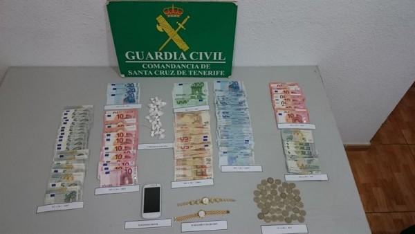 Droga y dinero intervenidos en un bar de Tacoronte. | DA