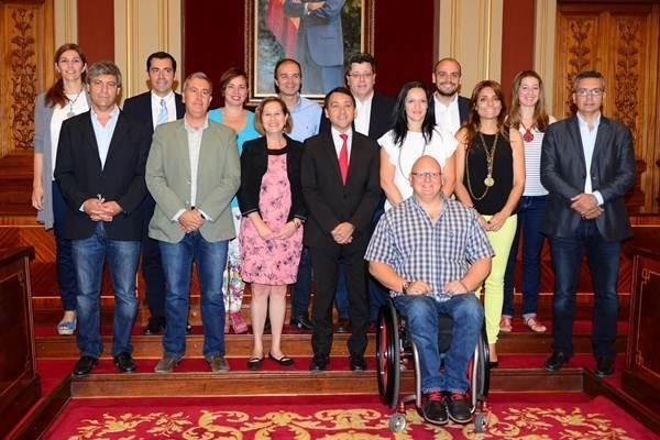 El equipo de gobierno municipal está conformado por nueve ediles de CC y seis del PP. | DA