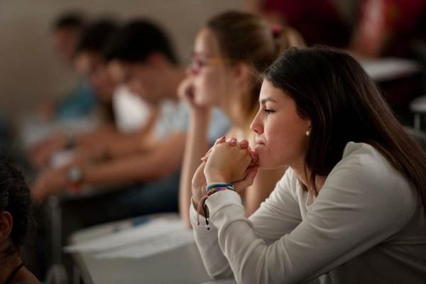 Los estudiantes insisten en que la medida restringe el acceso a la educación superior. / FRAN PALLERO