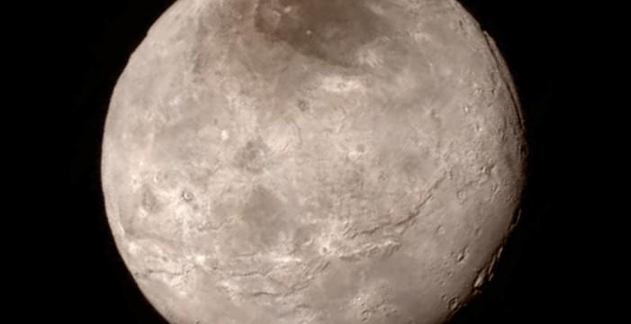Apodan Mordor a una zona oscura cercana al polo norte de Caronte, la mayor luna de Plutón