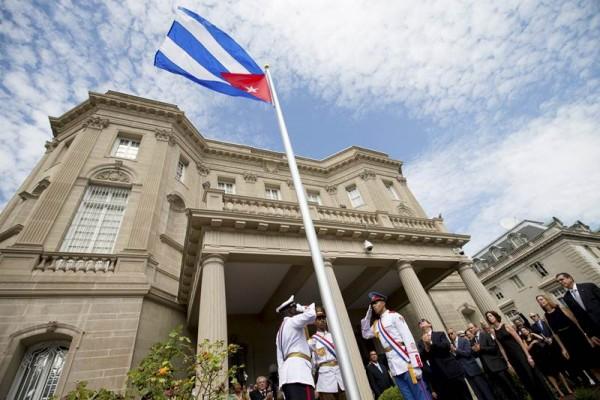 El ministro de Exteriores cubano, Bruno Rodríguez, estuvo presente en el histórico acto.   REUTERS