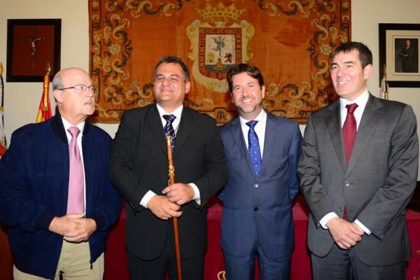 José Alberto Díaz sustituye desde ayer a Fernando Clavijo al frente del Ayuntamiento de La Laguna. / S.M.