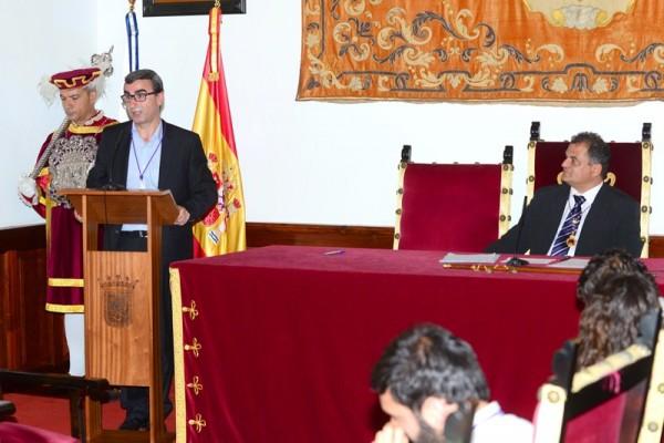 Javier Abreu ratificó ayer su anuncio del pasado jueves y apoyó la candidatura del nacionalista José Alberto Díaz. / S. M.