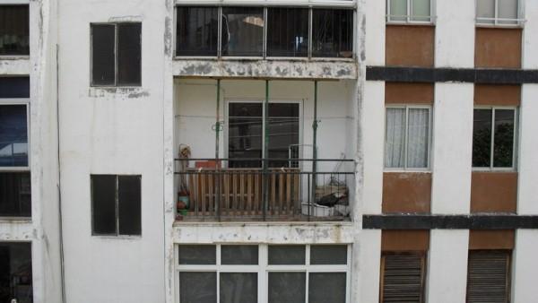 La aluminosis se detectó en las viviendas de la urbanización Las Chumberas en 2009. / DA