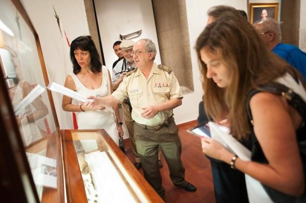 Ruiz de Oña realizó una breve visita guiada para los asistentes. / FRAN PALLERO