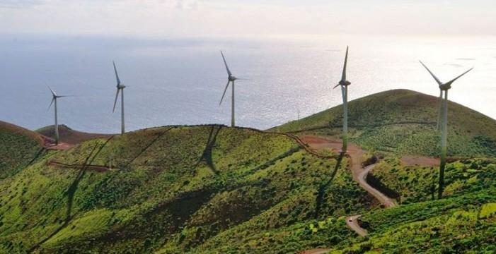 Canarias pide a Industria que exima a las islas de los límites al autoconsumo