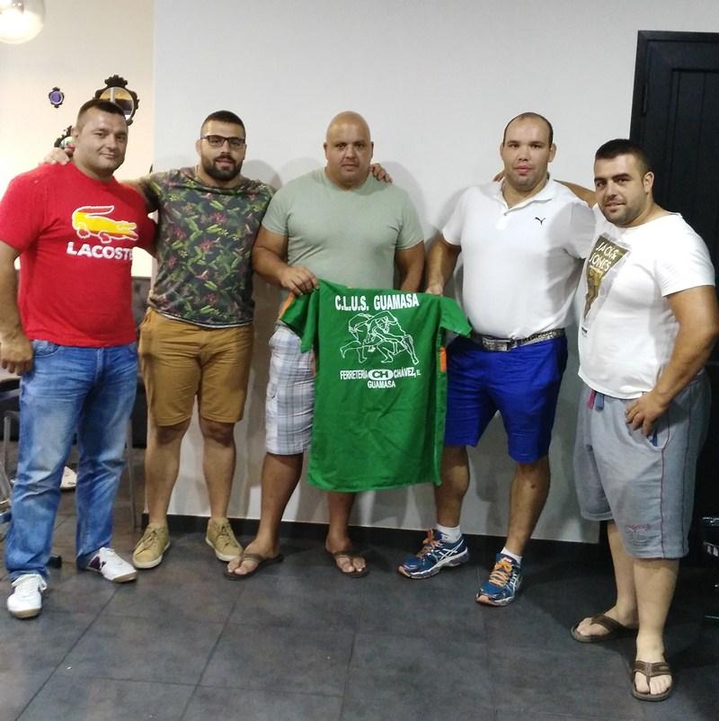 Los hermanos Reyes, junto a Hernández, Marrero y Paz. / DA