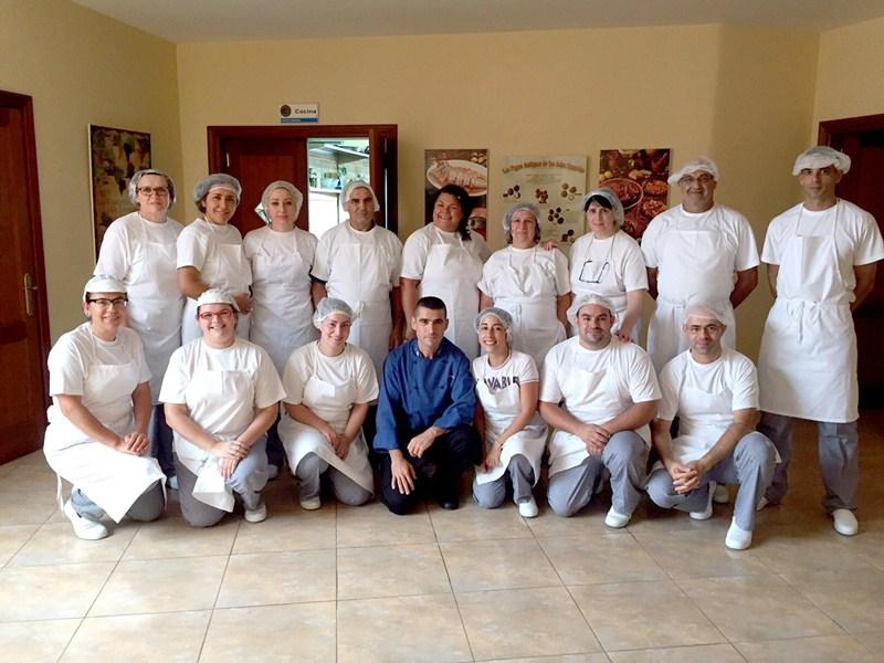 Los participantes en el nuevo proyecto que Cáritas desarrolla en el municipio de La Guancha. / DA