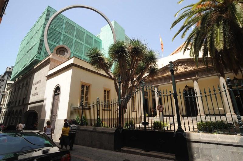 El Parlamento de Canarias aprobó, el pasado febrero, la tramitación de la proposición de ley. / F. P.