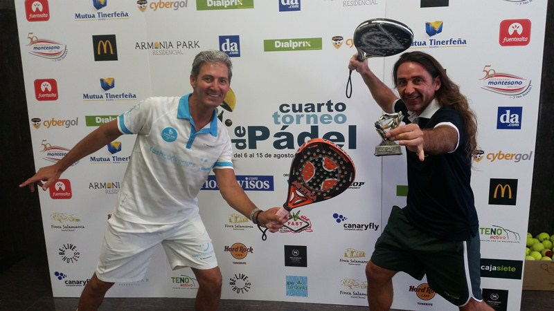 Javi Silva y Gustavo Davirro protagonizaron un duelo marcado por la amistad. / DA