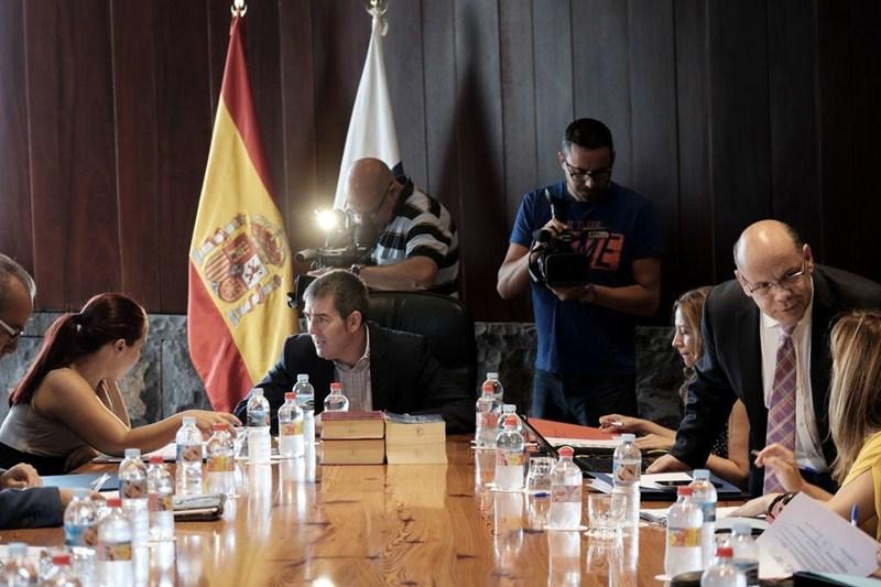Uno de los primeros Consejos de Gobierno celebrados por el Ejecutivo que preside Fernando Clavijo. / DA