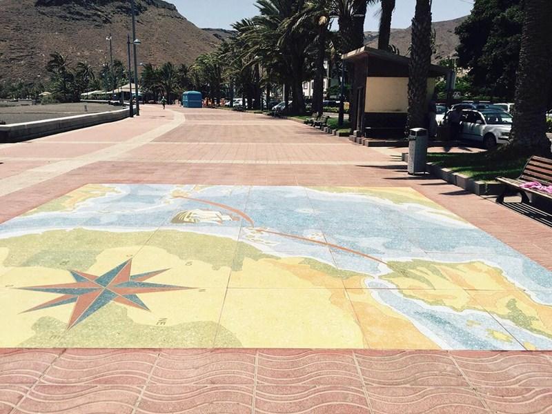 Imagen del mosaico restaurado en la avenida Marítima de San Sebastián de La Gomera. / DA
