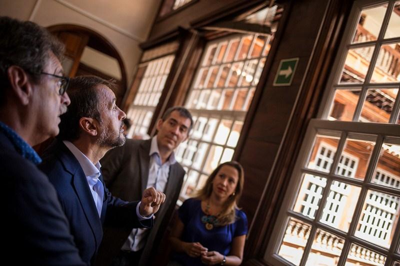 El alcalde quiere que el inmueble también albergue  un centro de visitantes. / ANDRÉS GUTIÉRREZ