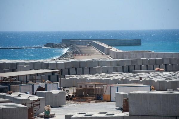 La intención es introducir el gas por el futuro puerto de Granadilla. / F.P.
