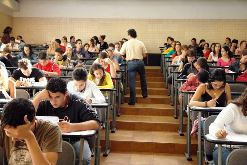 Los estudiantes canarios son los que menos inversión reciben por parte de las administraciones. / S. MÉNDEZ