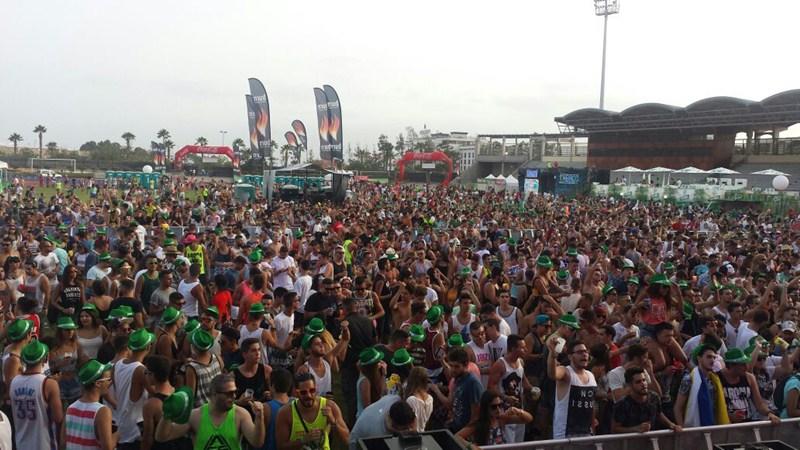 Ambiente en el estadio Antonio Domínguez de Los Cristianos. / DA
