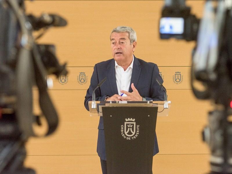 Aurelio Abreu dio cuenta ayer de los acuerdos tomados por el Consejo de Gobierno. / DA