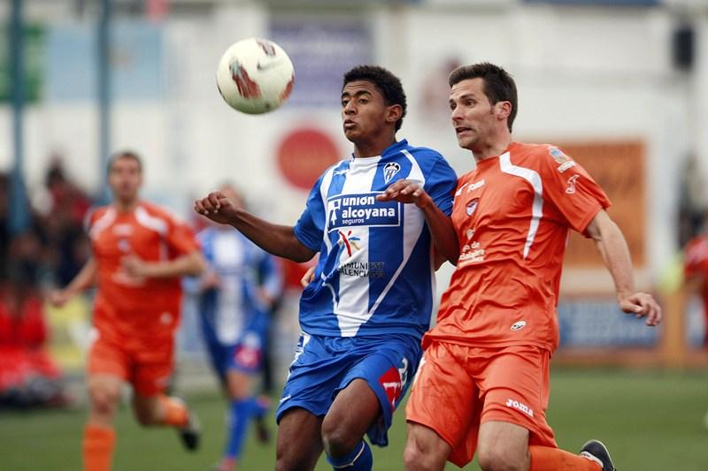 El delantero hondureño, en su etapa como jugador del Alcoyano cedido por el Valencia CF. / DAVID FERNÁNDEZ