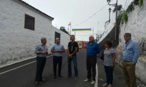 Responsables de las tres instituciones y técnicos, durante la visita que hicieron el lunes al casco histórico. / DA