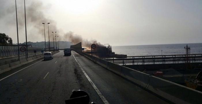 Sofocado el incendio en el Muelle de La Hondura