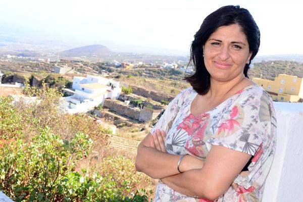 Carmen Luisa Castro en su barrio natal de Lomo de Mena. / SERGIO MÉNDEZ