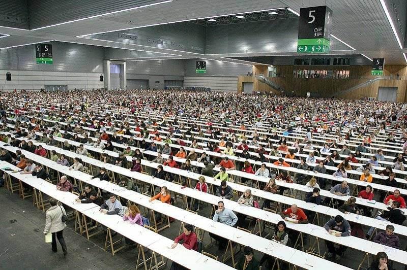 Las oposiciones de Fisioterapia en Canarias en el año 2012 congregaron a más de 10.000 personas. | DA