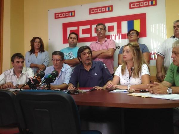 Imagen de los miembros de CC.OO., ayer en la rueda de prensa. / EP