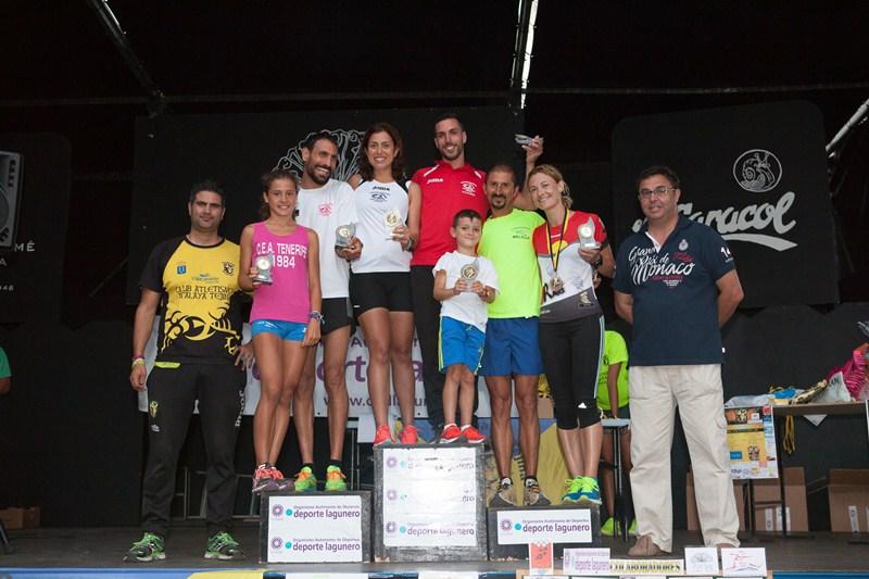 Una imagen del podio de la prueba tejinera, celebrada ayer. / DA