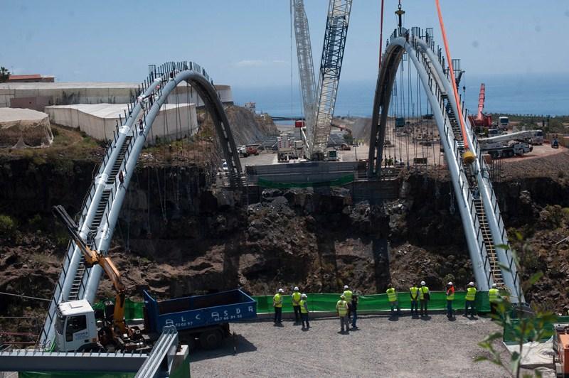 La instalación del viaducto de Erques ha demorado el proyecto. / F. P.