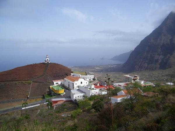 El Ayuntamiento de La Frontera se ha situado en el centro de la política canaria por una censura.   DA