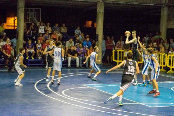 El jugador rumano mide 2.29 metros. / NORCHI