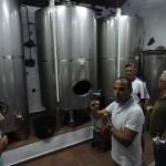 Frank González es el encargado de explicar la elaboración del vino. | N.C.