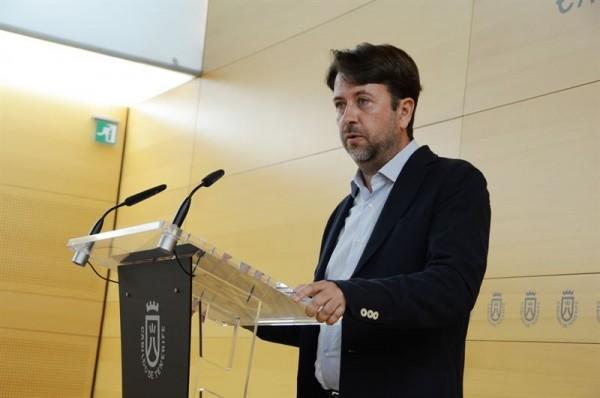 Carlos Alonso durante una rueda de prensa en el Cabildo. | EP