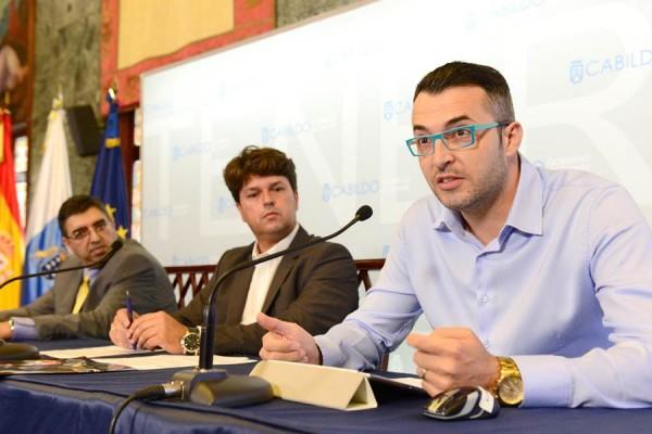 Dileep Bhavnani, Antonio García Marichal y Gabriele Maschio, ayer en la presentación. | SERGIO MÉNDEZ