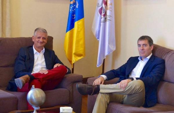 Francisco Linares y Fernando Clavijo, durante la reunión mantenida recientemente en La Orotava. | DA