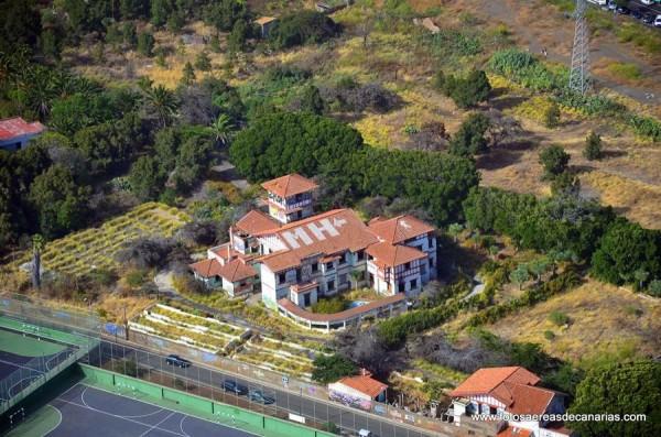 Imagen aérea y de archivo del Hogar Gomero, en La Laguna. /  www.fotosaereasdecanarias.com