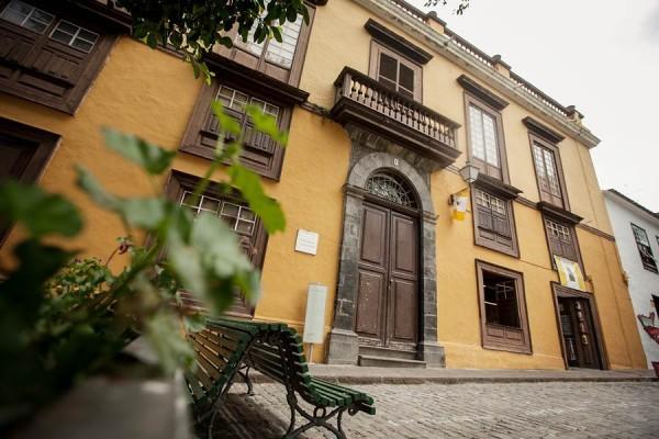 La Casa de los Cáceres, situada en pleno casco, es el espacio idóneo para instalar el museo, según el CIT.   A. G.