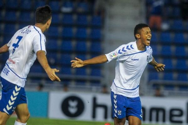 Lozano celebra el gol que marcó enta el Nástic en la segunda jornada. | A.G.