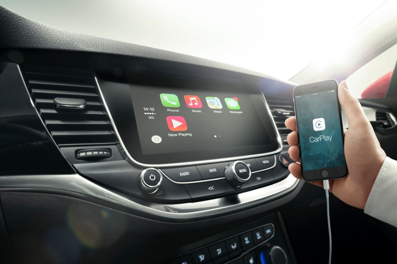 Opel Astra conectividad