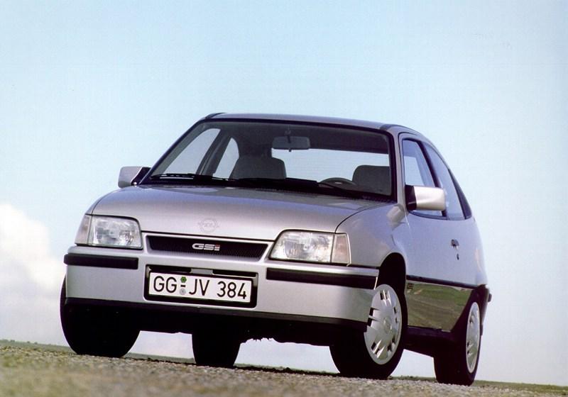 Opel Kadett GSI Opel Kadett E GSI, en 1986 reemplazó la denominación GTE. | DA